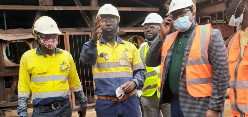 minister of mines visits mines 22