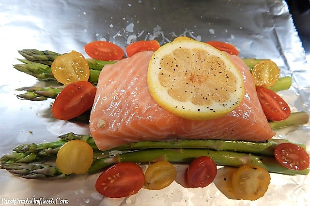 Simple && Sinless Baked Salmon