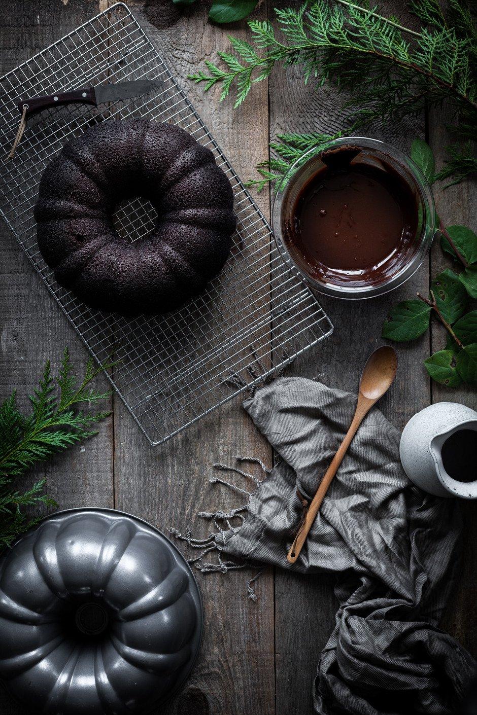 Chocolate Peppermint Ganache Bundt Cake - The Simple Green