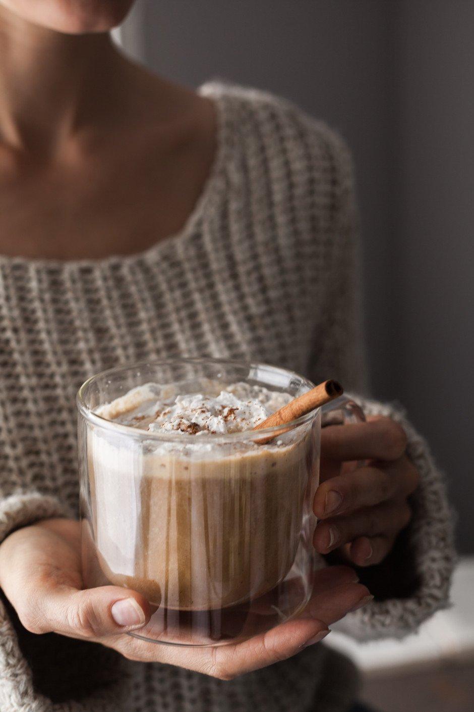 adaptogenic pumkpin spice latte -the simple green