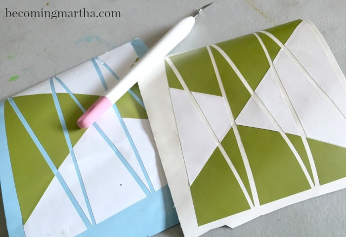 DIY this geometric backgammon tray with a basic serving tray and some vinyl!