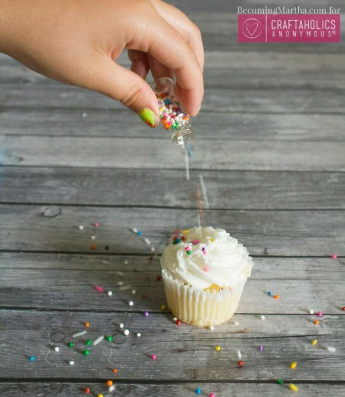 These last minute, easy cupcake toppers are simple and inexpensive, and are the perfect way to decorate storebought cupcakes!