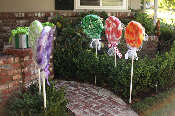 Giant Lollipops Christmas Decor Turn Pool Noodles Into