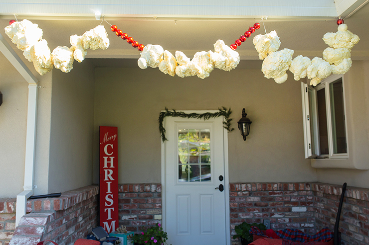 Giant Popcorn Garland Christmas Decoration Outside