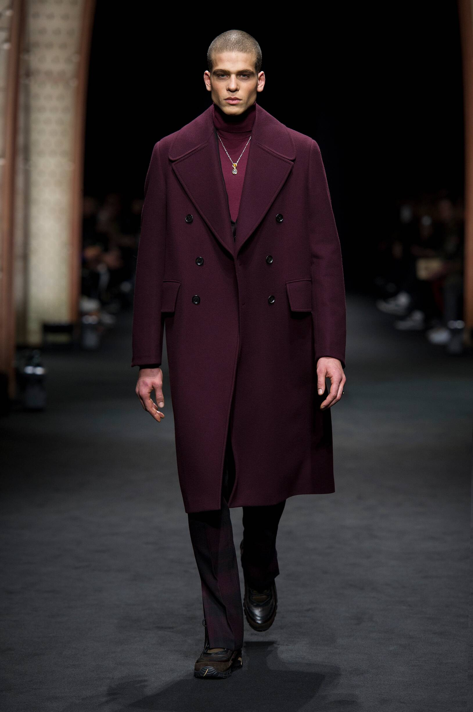 VERSACE FALL WINTER 201718 MENS COLLECTION  The Skinny Beep