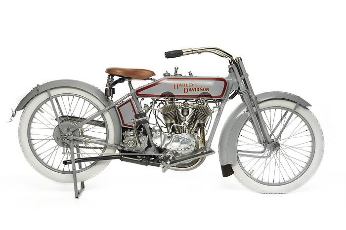 1916- Harley Davidson Step Starter, Aerodynamic Fuel Tank