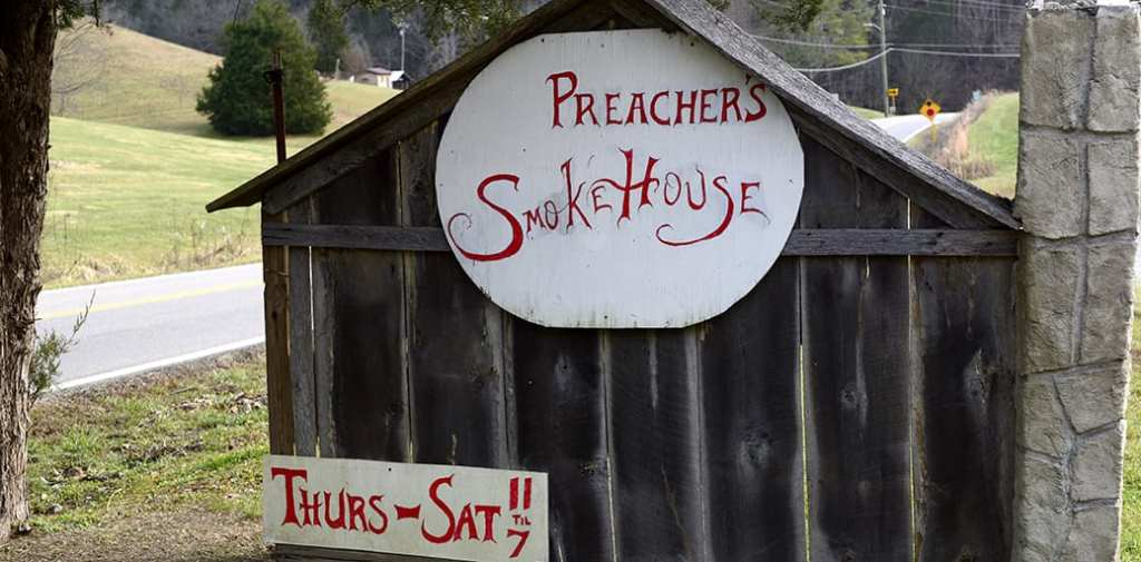 Preacher's Smokehouse may look like a hole-in-the-wall, but the food is out of this world (photo by Daniel Munson/TheSmokies.com)