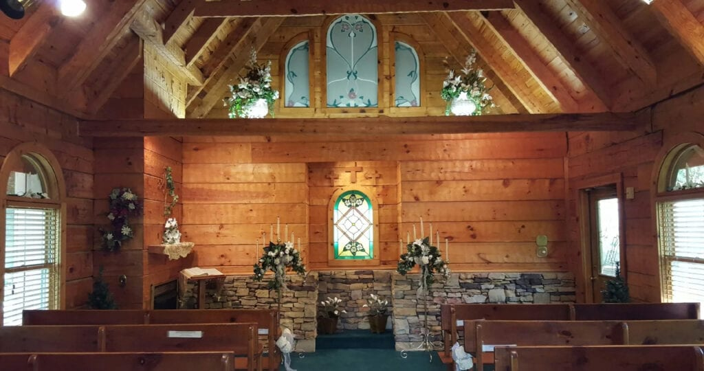 Chapel in the Glen is located near the Arts and Crafts Community in Gatlinburg and offers a rustic modern aesthetic (photo courtesy of Chapel in the Glen)