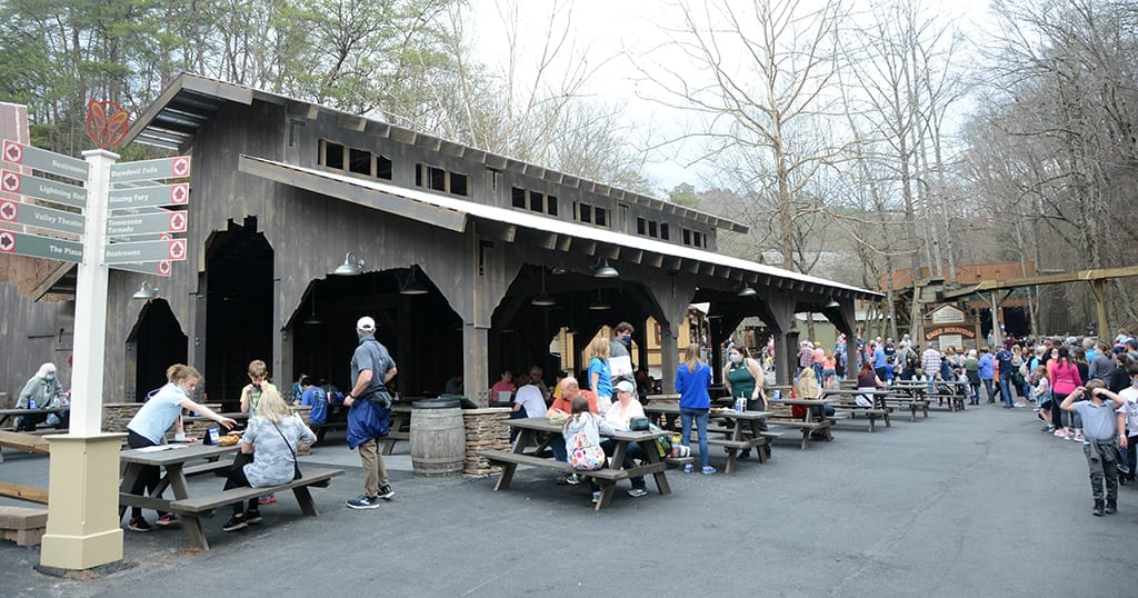 New outdoor eating area at Dollywood