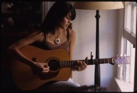Priscilla Ahn with guitar