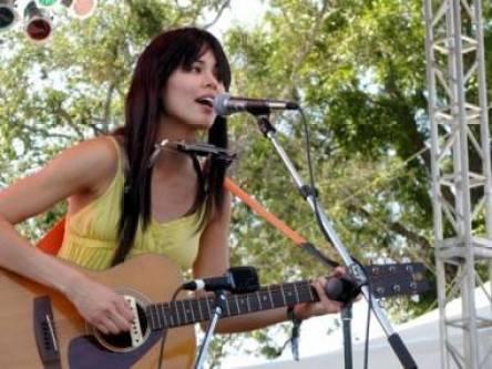 Priscilla Ahn concert photo