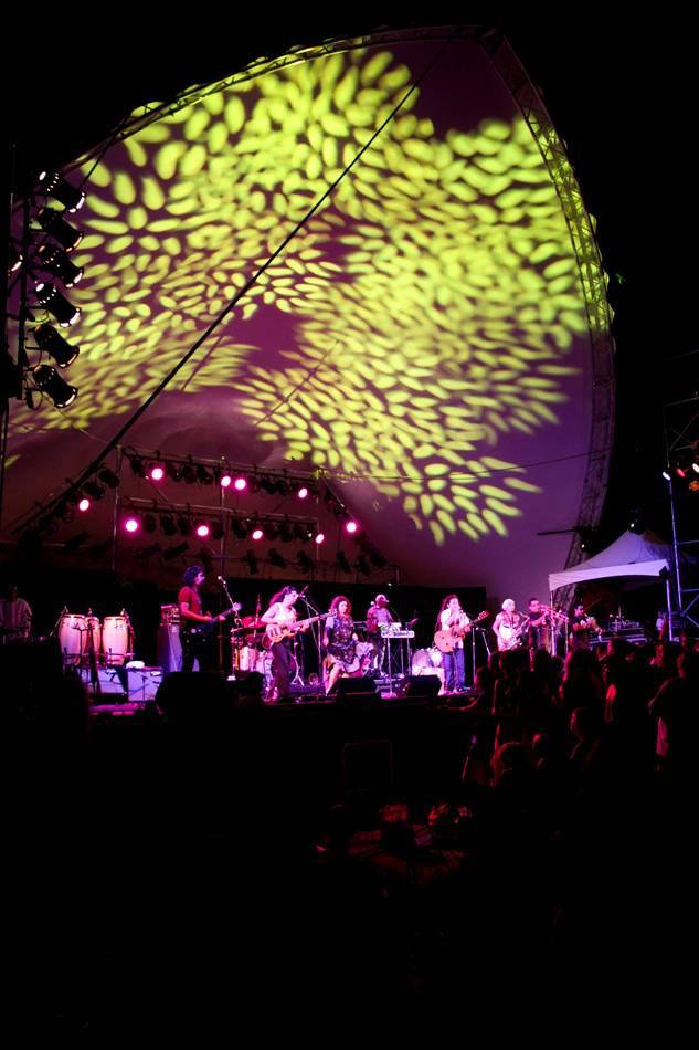Losa Bajo at the Vancouver Folk Music Festival photo