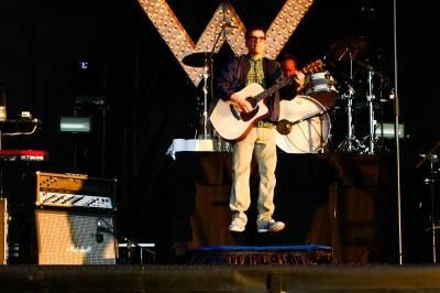 Weezer at Sonic Boom 2010 photo