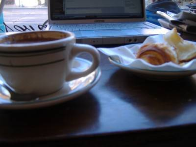 The_Common_coffee_and_laptop