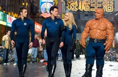 Chris Evans as Johnny Storm, Ioan Gruffudd as Reed Richards, Jessica Alba as Susan Storm, and Michael Chiklis as Ben Grimm in Fantastic Four: Rise of the Silver Surfer (2007).