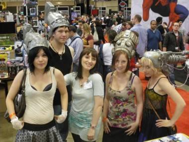 Camille d'Errico w/ Helmetgirls cosplayers.