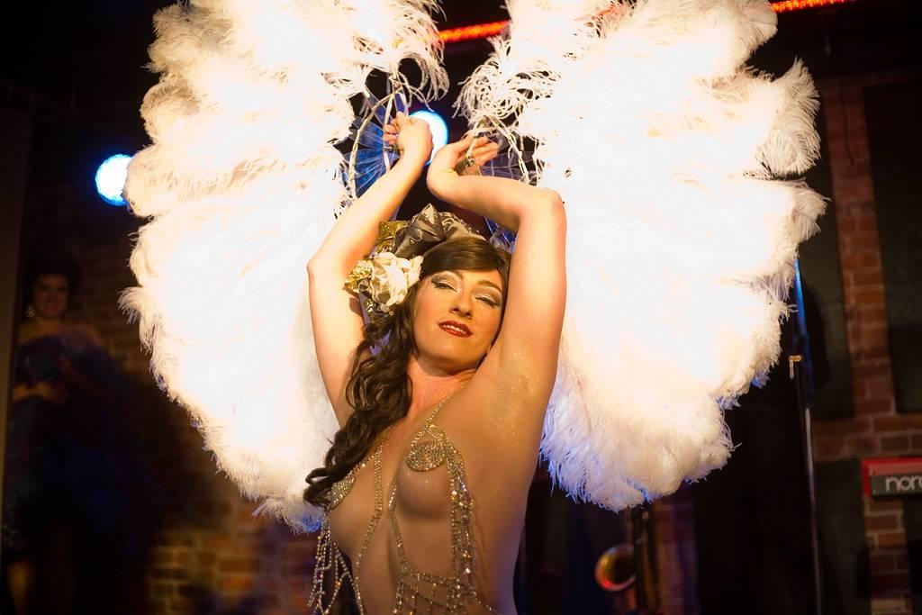 burlesque photos Jesse Belle-Jones