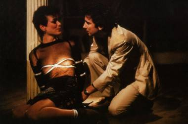 Griffin Dunne and Linda Fiorentino in After Hours image