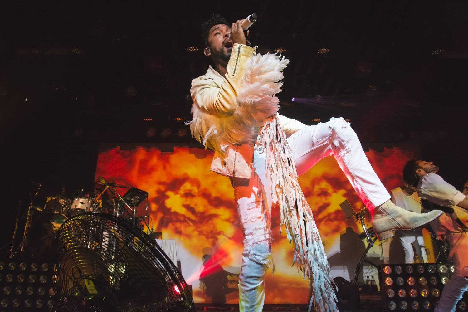 Miguel at the Commodore Ballroom, Vancouver, Aug 22 2015. Pavel Boiko photo.