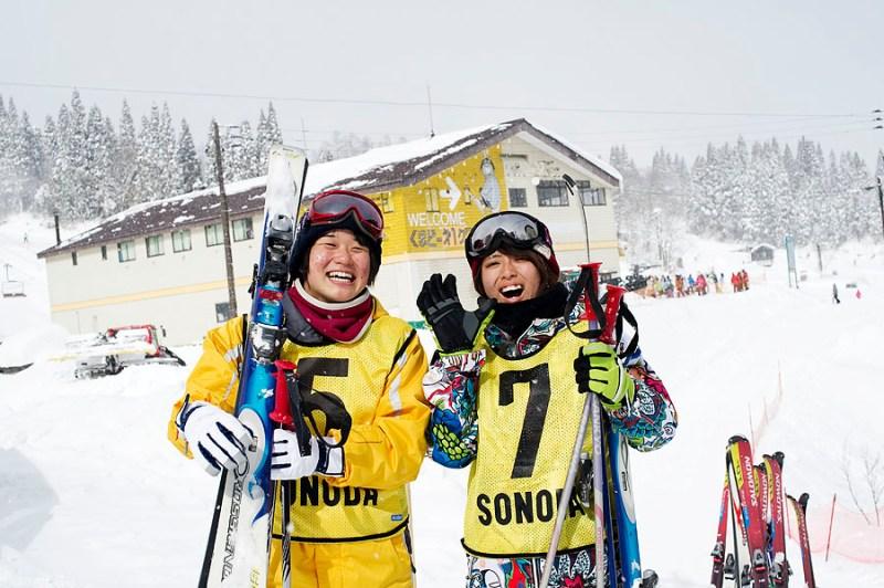 skiers_myoko_akakura_onsen_7676_2758