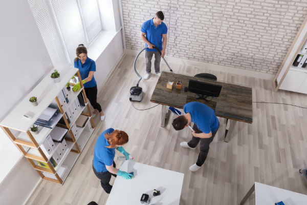 Reasons Why Hiring A Cleaning Service Before And After The Holidays Is A Great Idea