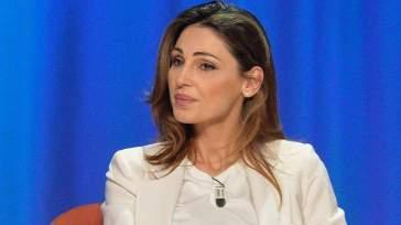 """Anna Tatangelo rivela """"per tanti anni sono stata zitta"""": la rinuncia per Gigi D'Alessio e il nuovo amore"""