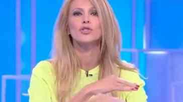 """Adriana Volpe furiosa con Roberto Parli, guerra aperta su Instagram poi lui chiede scusa: """"Saprò rimediare"""""""