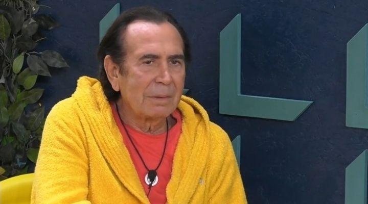 """Giucas Casella racconta l'episodio in cui ha capito di avere dei poteri: """"Urlavo, mia madre non mi sentiva"""""""