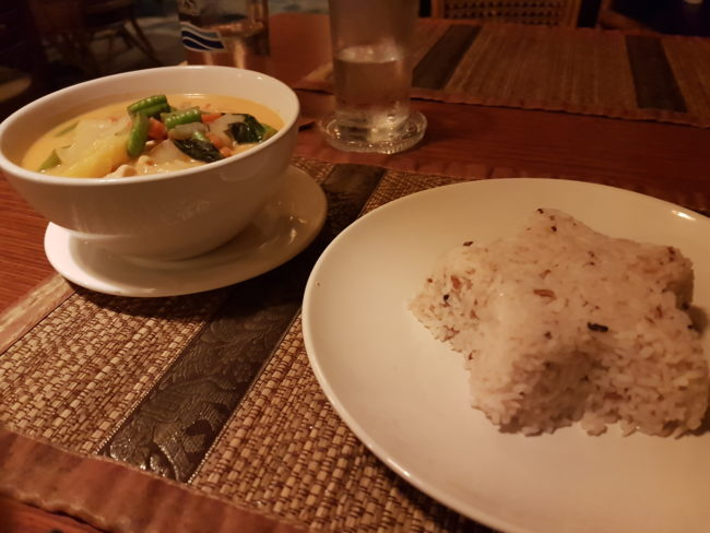 A love-hate affair with Thai food - Amor y odio con la comida tailandesa - The Solivagant Soul