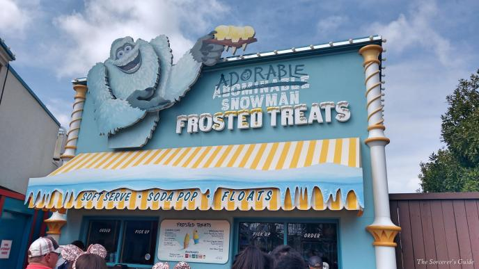 Adorable Snowman Frosted Treats Sign