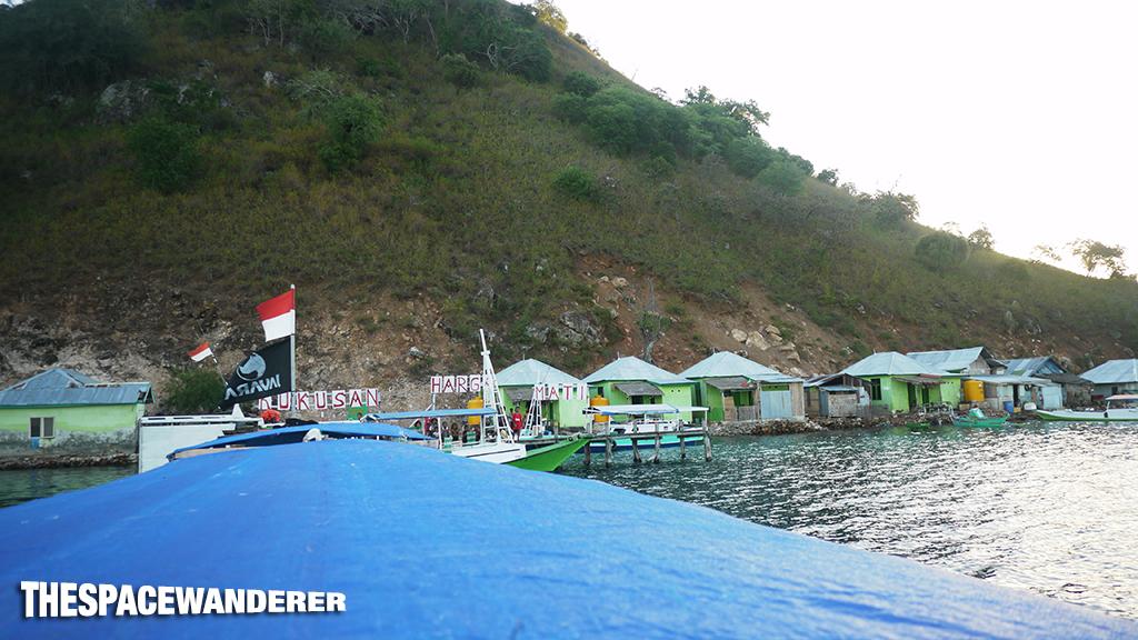 komodo-island-07-pulau-kukusan-morning