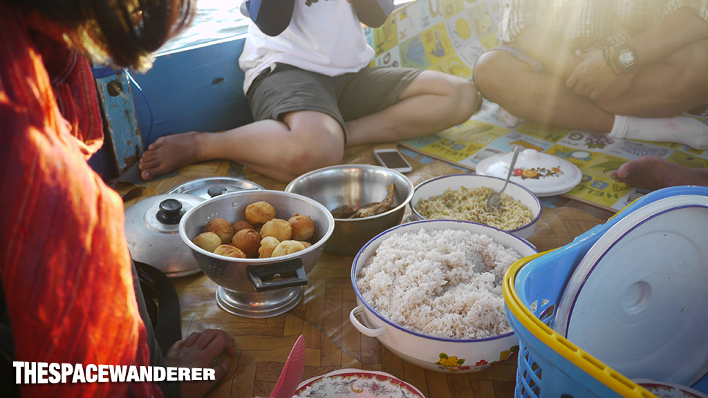 komodo-island-15-breakfast
