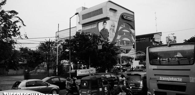 Perempatan Sunan Giri Rawamangun. Gedung Rabbani. 30 Juli 2014