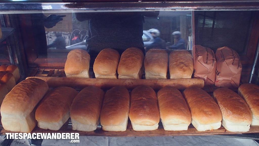 Ini roti, serius lezat bener.