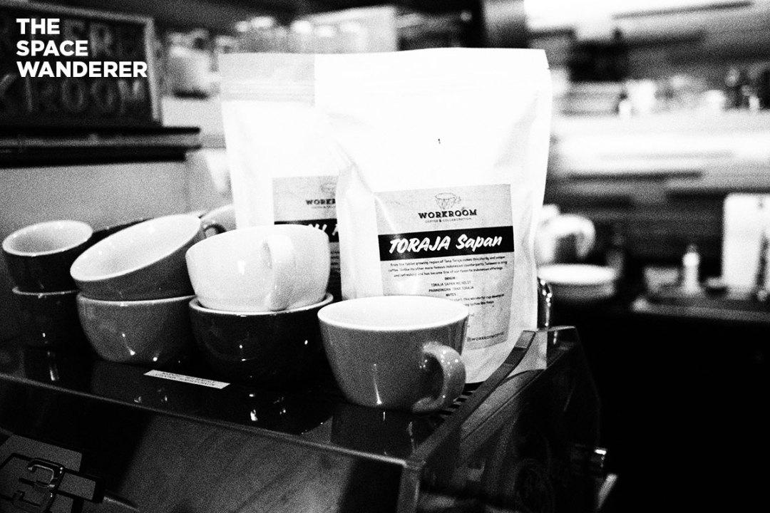 Workroom Coffee Shop CIkini Jakarta Pusat