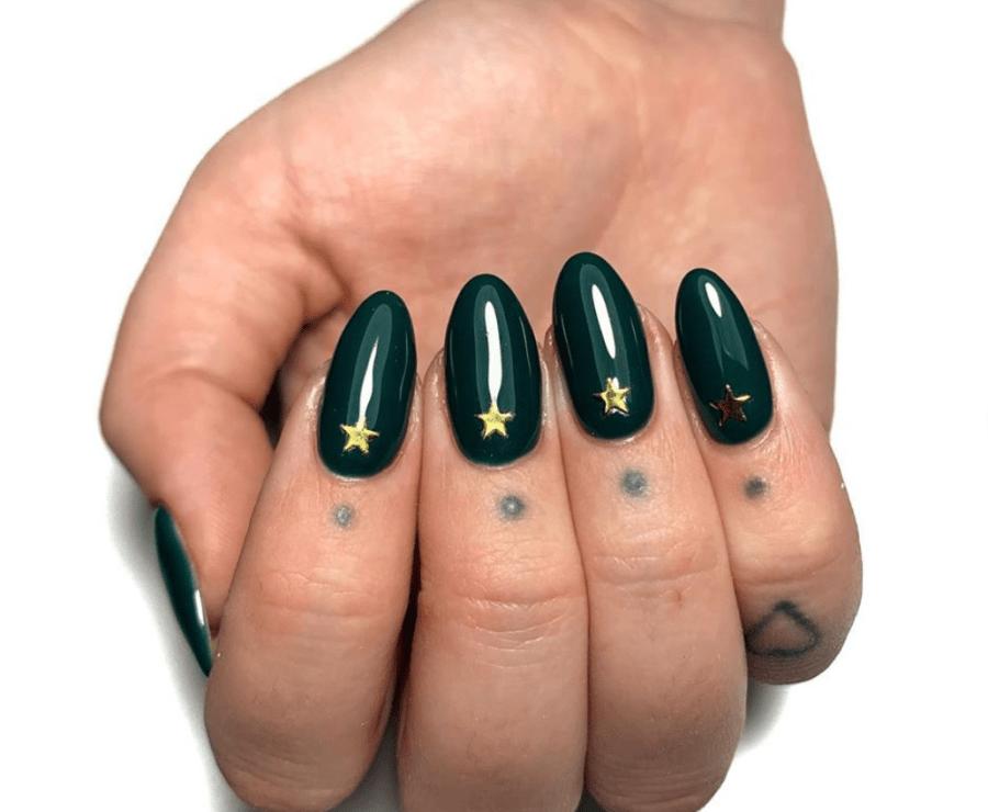 Emeral Green Gold Stars Winter Nails