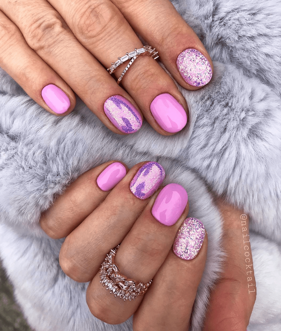 Extra Spasrkly Pink Nails For Winter