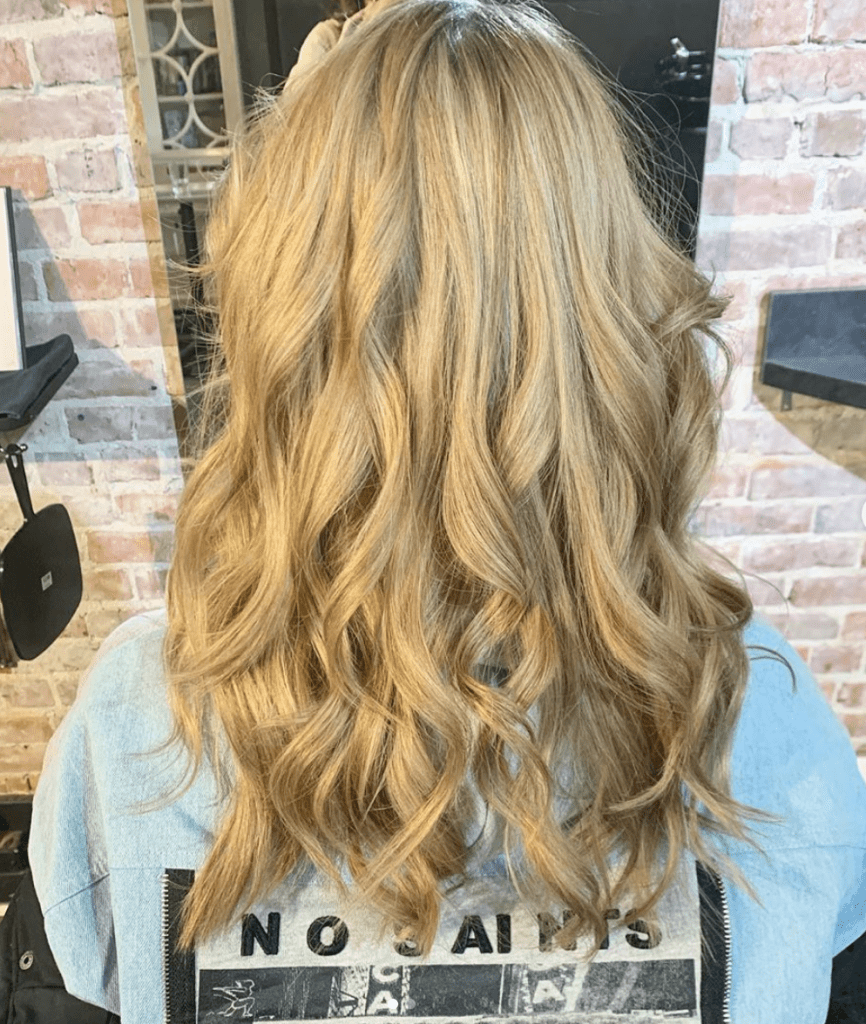 Vloume Ful Blond with Long Layers