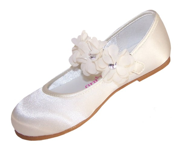 Girls ivory satin flower girl, bridesmaid and ballerina shoes-4204