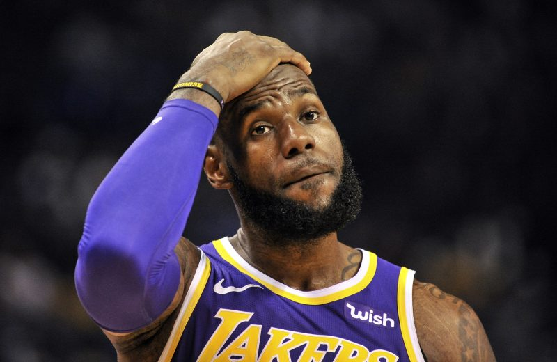 What s Wrong With the Los Angeles Lakers  - The Spax 72540f897
