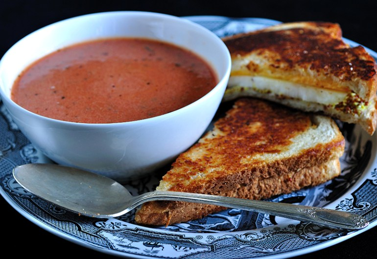 Toast Sandwich with Tomato Soup