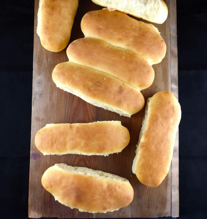 picture of hot dog bread