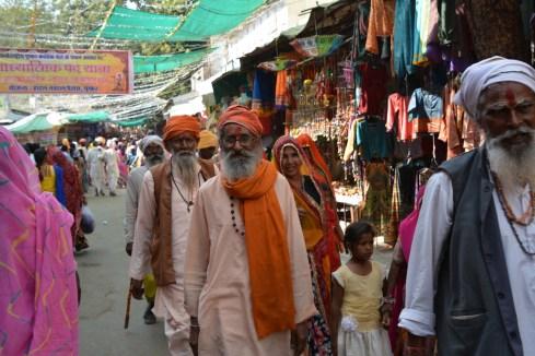 Narrow bazaars