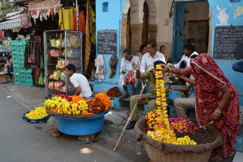 Flowers at the entrances of the ghats