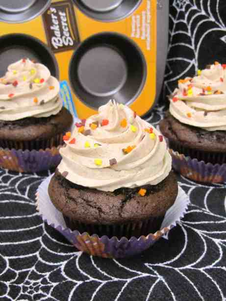 Chocolate Pumpkin Cupcakes 2