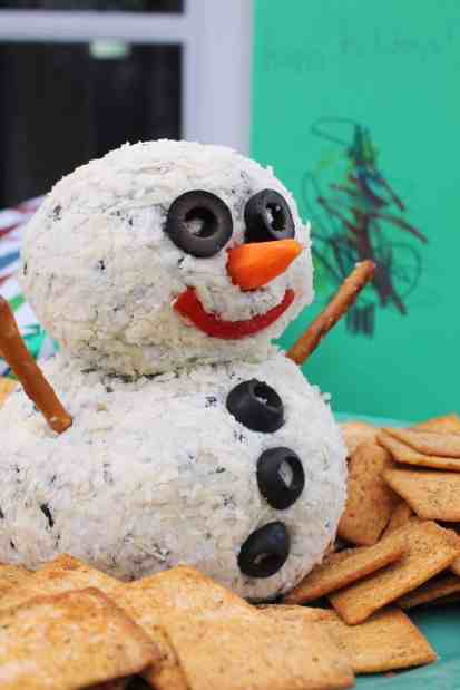 Snowman Blue Cheese Ball 2