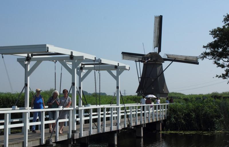 Liz, Ellen and Irma in Kinderdijk