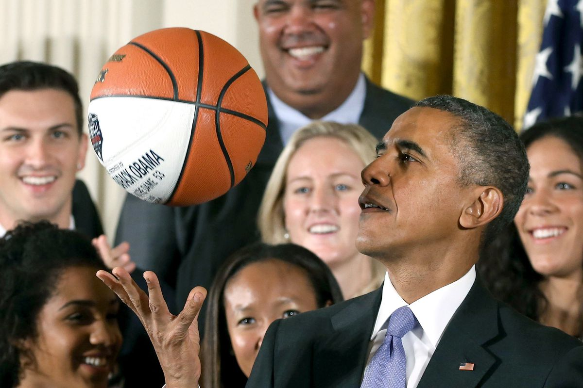 Former President Barack Obama advises NBA players to resume NBA playoffs - THE SPORTS ROOM