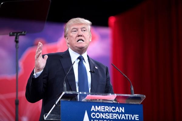 Donald trump new target fiorina
