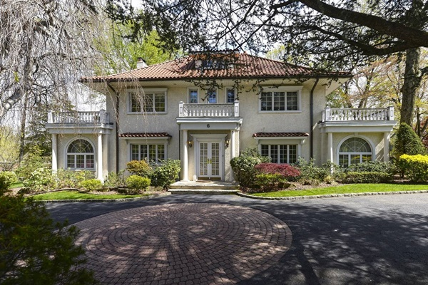 Great Gatsby house for sale